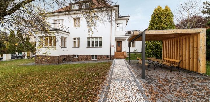Vila na pronájem - Praha 5 - Smíchov - 526m
