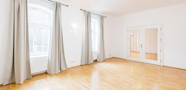 Prodej luxusní kancelářské budovy - Praha