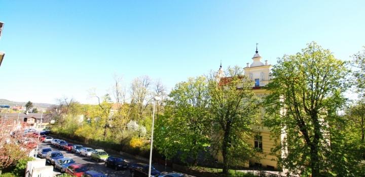 Půdní byt Praha 6 - 383m