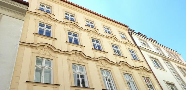 Luxusní byt v historickém domě Malá Strana 67m