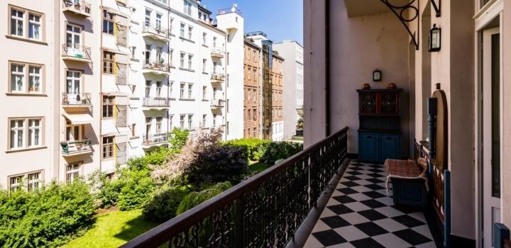 Pronájem bytu Janáčkovo nábřeží 211m