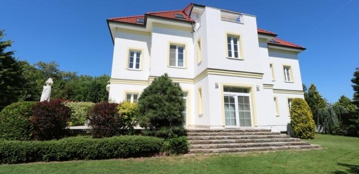 Luxusní vila na pronájem Praha 6 - 940m