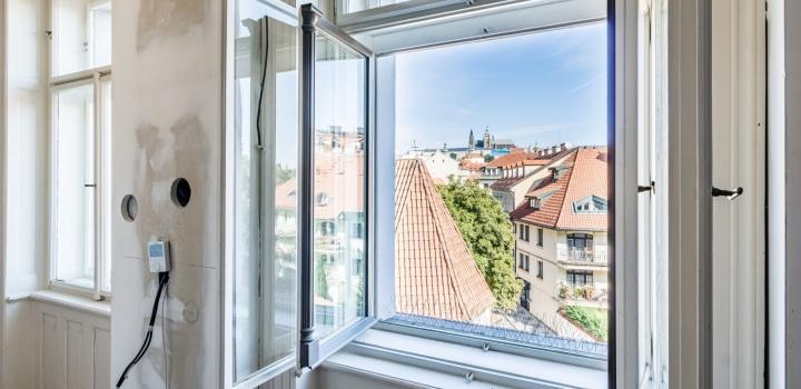 Luxusní byt na prodej - Malá Strana - 257