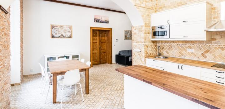 Luxusní investiční byt - Praha 1 - 80m