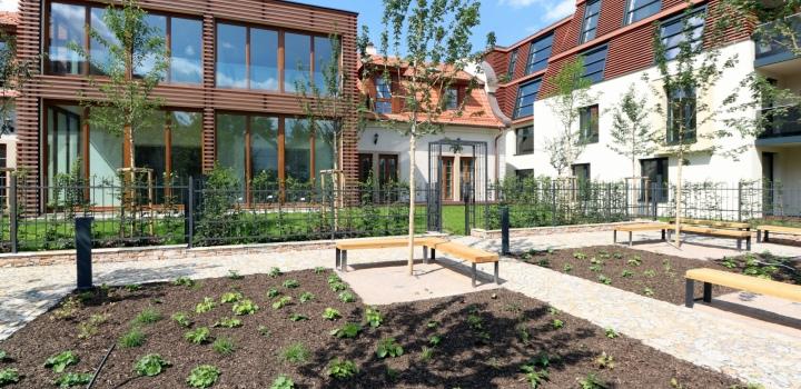 Luxusní byt se zahradou Troja 60m