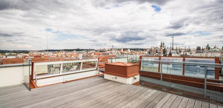 Luxusní byt na pronájem Staré Město - 201m