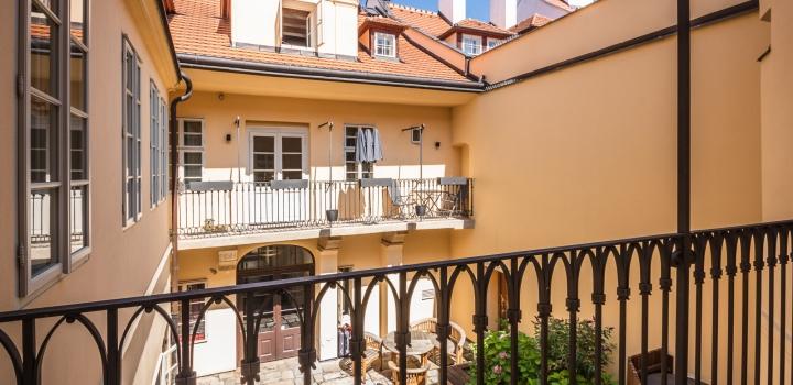 Luxusní byt na prodej na Malé Straně 98m