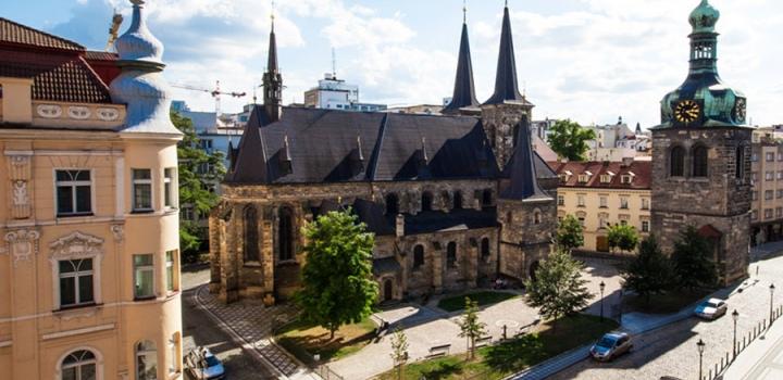 Luxusní činžovní dům na pronájem - Praha 1
