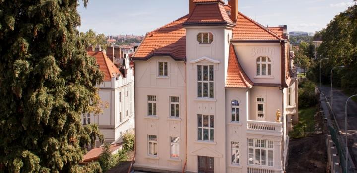 Luxusní vila na pronájem na Praze 5 - 996m