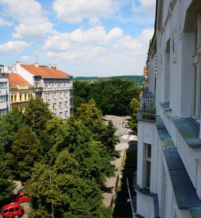 Luxusní byt s balkonem Ovenecká 75m 1