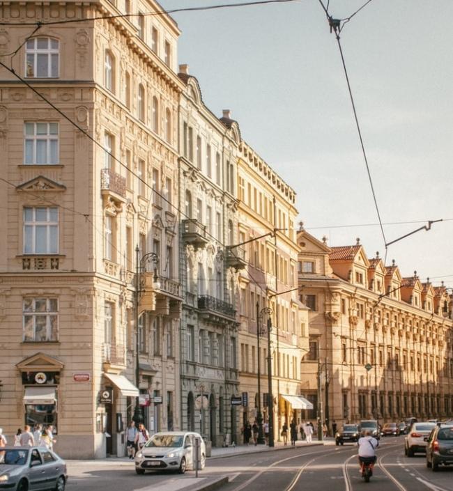 Obchodní prostor na prodej, Staré Město - 215 m² 0