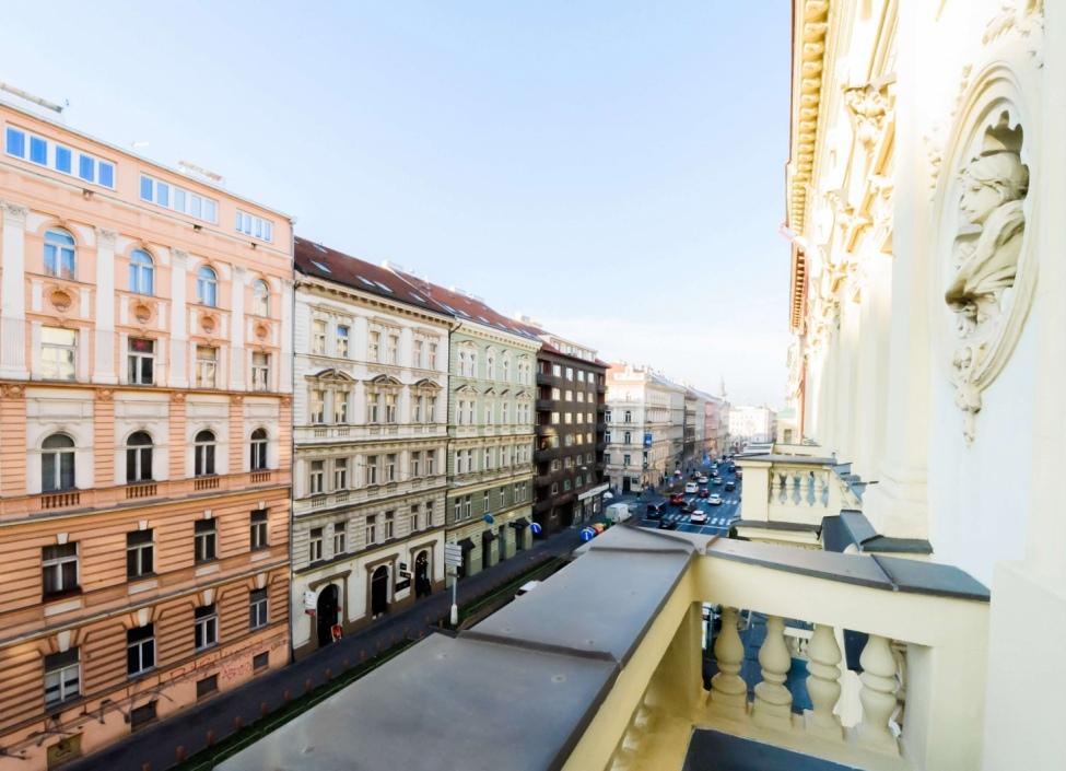 Luxusní loftový byt 47m na Praze 2 0