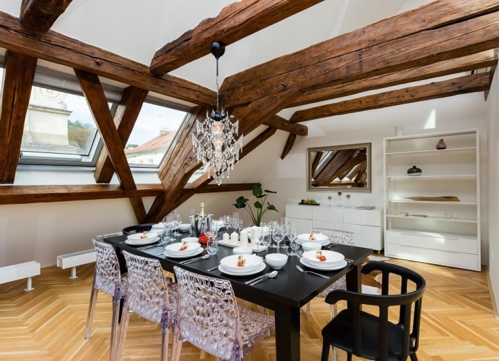 Luxusní byt na pronájem Praha 1 - Malá Strana 239m 0
