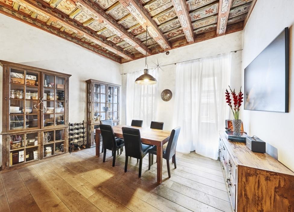 Byt na prodej v historickém paláci - Praha 1 - Malá Strana - 143m 1