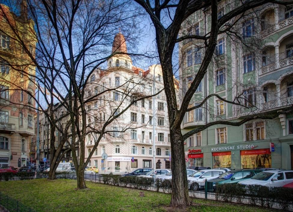 Obchod na prodej Praha 5 - 112m 1