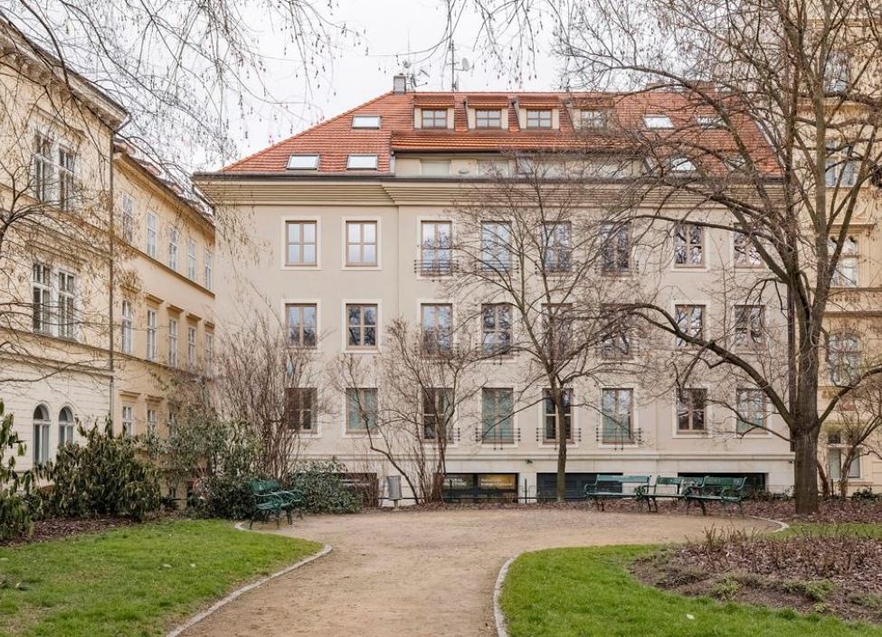 Luxusní obchodní prostor k pronájmu, Staré Město -169 m2 1