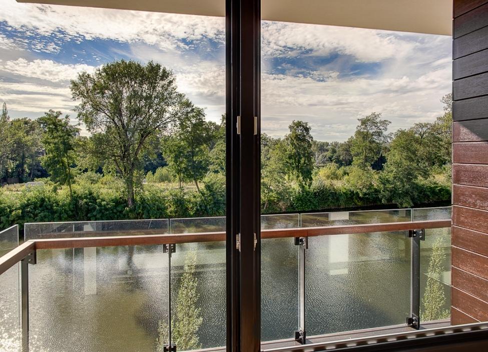 Luxusní byt s výhledem na Vltavu 128m 0