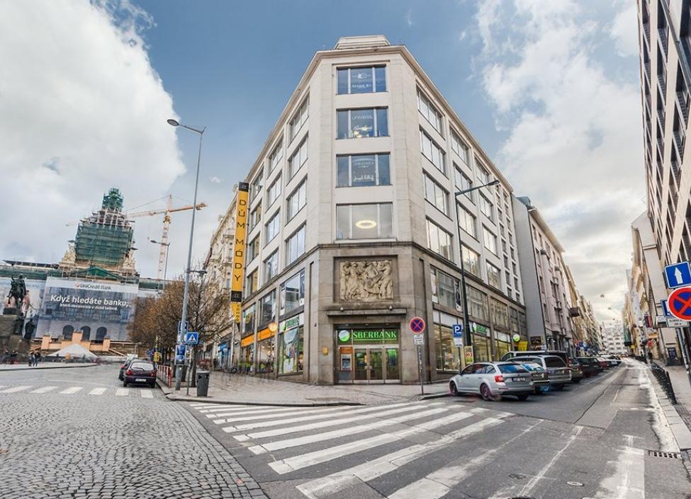 Obchodní prostory k pronájmu, Praha 1 - 500m 0