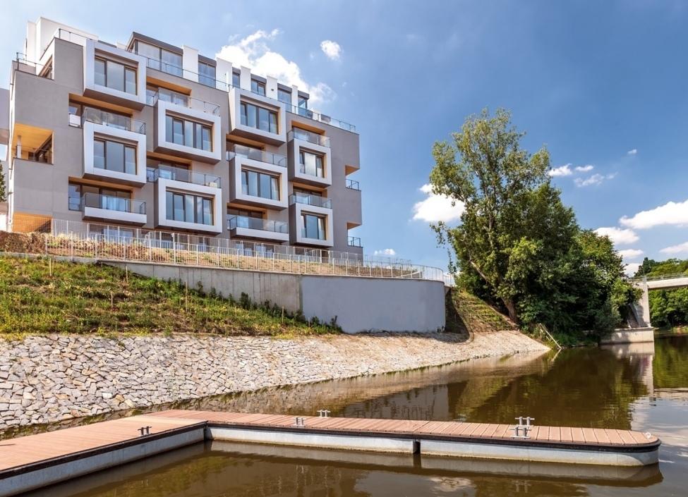 Luxusní byt u Vltavy s lodní kójí 188m 0