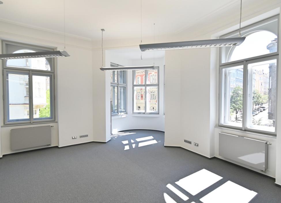 Luxusní kancelář k pronájmu v centru Prahy - 130m 0