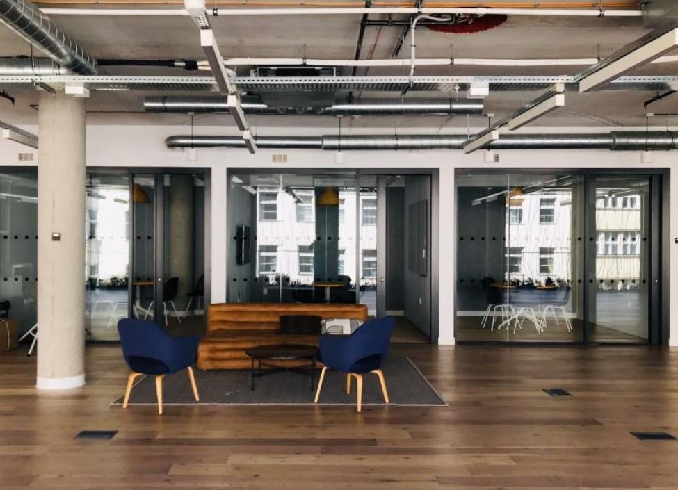 Pronájem coworking a servisované kanceláře, Nové Město - 25 míst 0