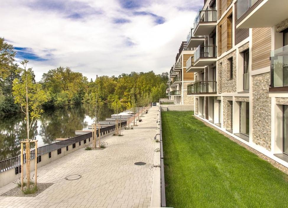 Luxusní byt s balkonem 61m 0