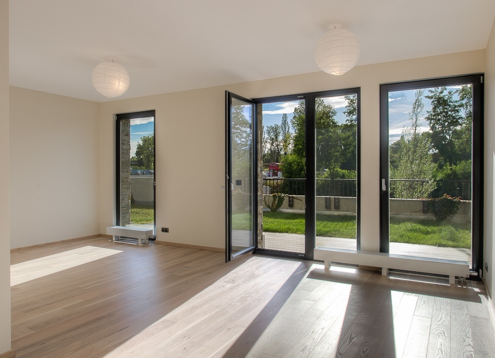 Luxusní byt u řeky se zahradou 135m 1