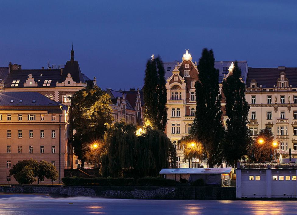 Luxusní byt s balkonem Praha 5 - 185m 1