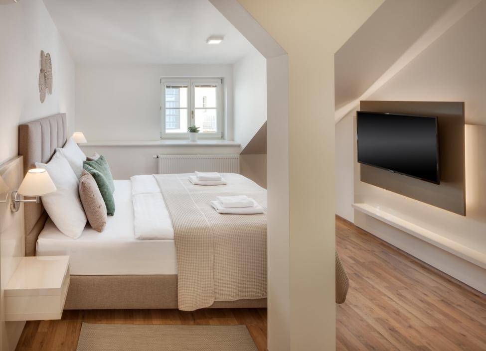 Luxusní byt na pronájem - Praha 7 - 81m 1
