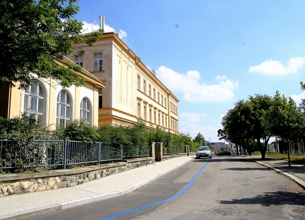Luxusní duplex se zahradou, Praha 6, 208 m2 0