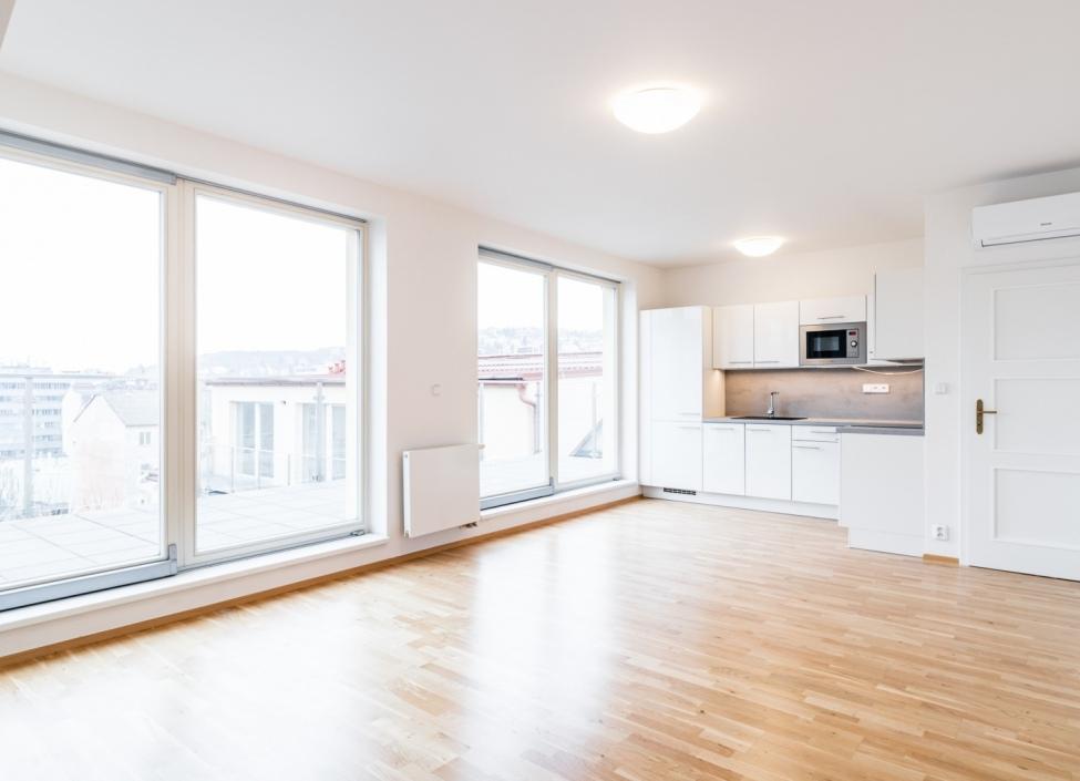 Luxusní byt s terasou Praha 5 - 108m 0