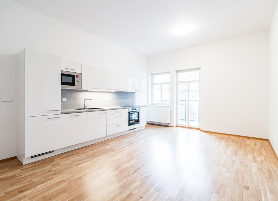 Luxusní byt na pronájem Praha 5-84m 0