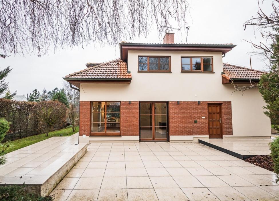 Prodej rodinného domu Jesenice-Osnice - 317m 0