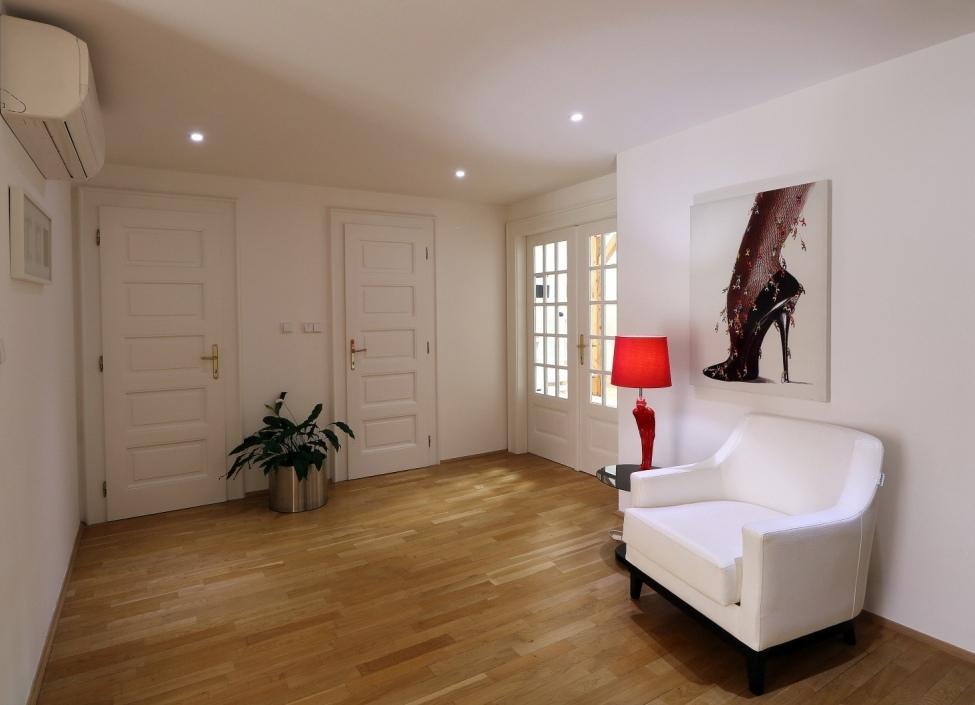 Luxusní byt na pronájem Praha 1 - 92m 0