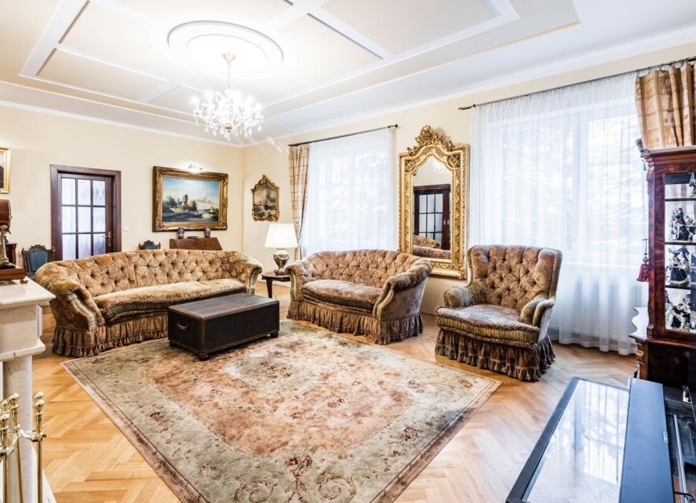 Luxusní administrativní vila na Praze 5 - 576 m2 1