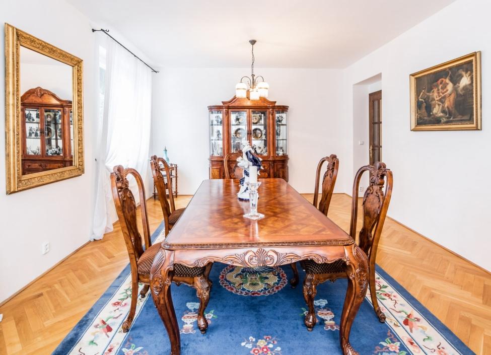 Luxusní administrativní vila na Praze 5 - 576 m2 0
