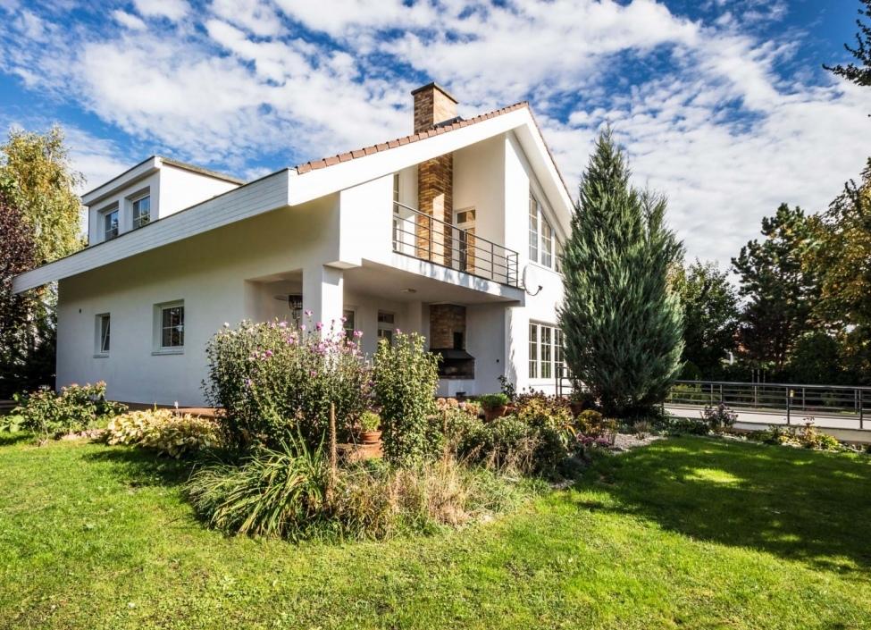 Vila k pronájmu Průhonice - 991m 0