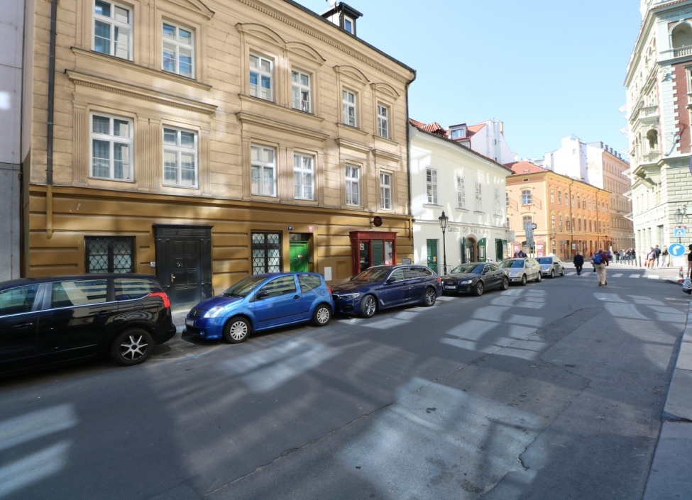 Obchodní prostor k pronájmu na Praze 1 0