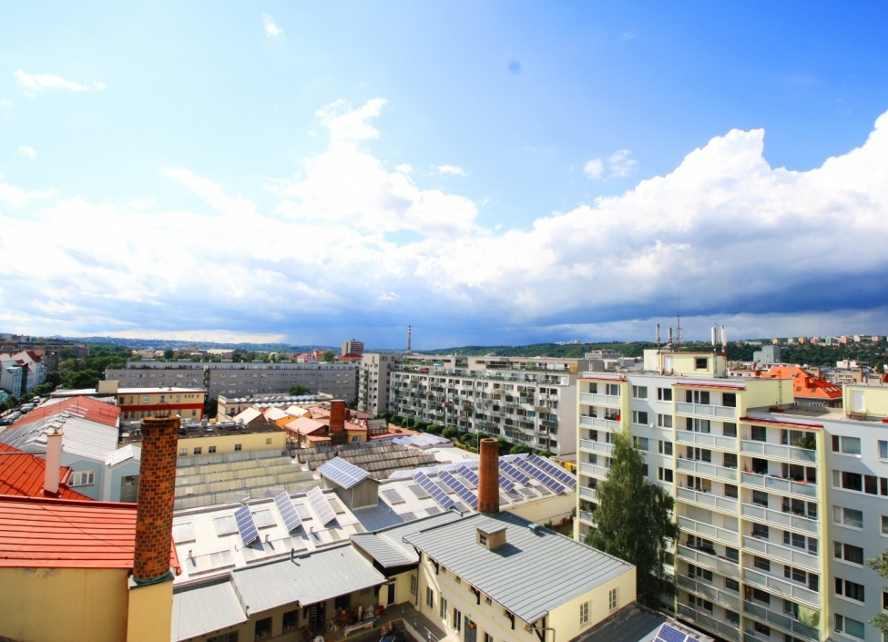 Byt s balkonem 85m 0