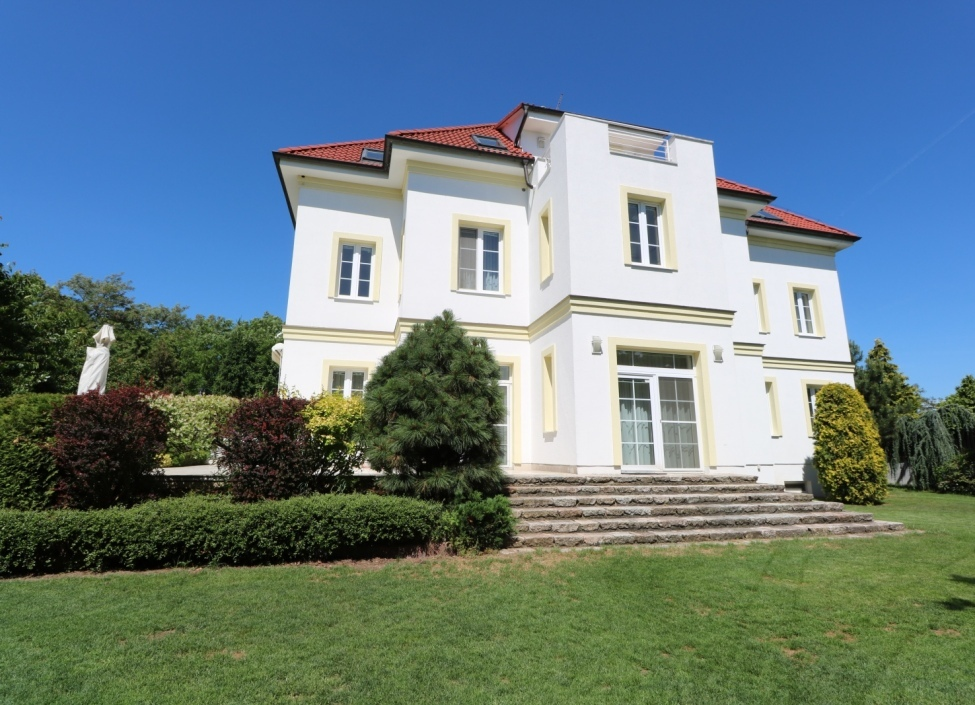 Luxurious villa Prague 6 - 940m 1