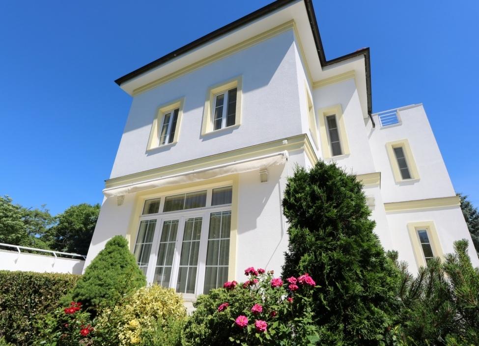 Luxusní vila na pronájem Praha 6 - 940m 1