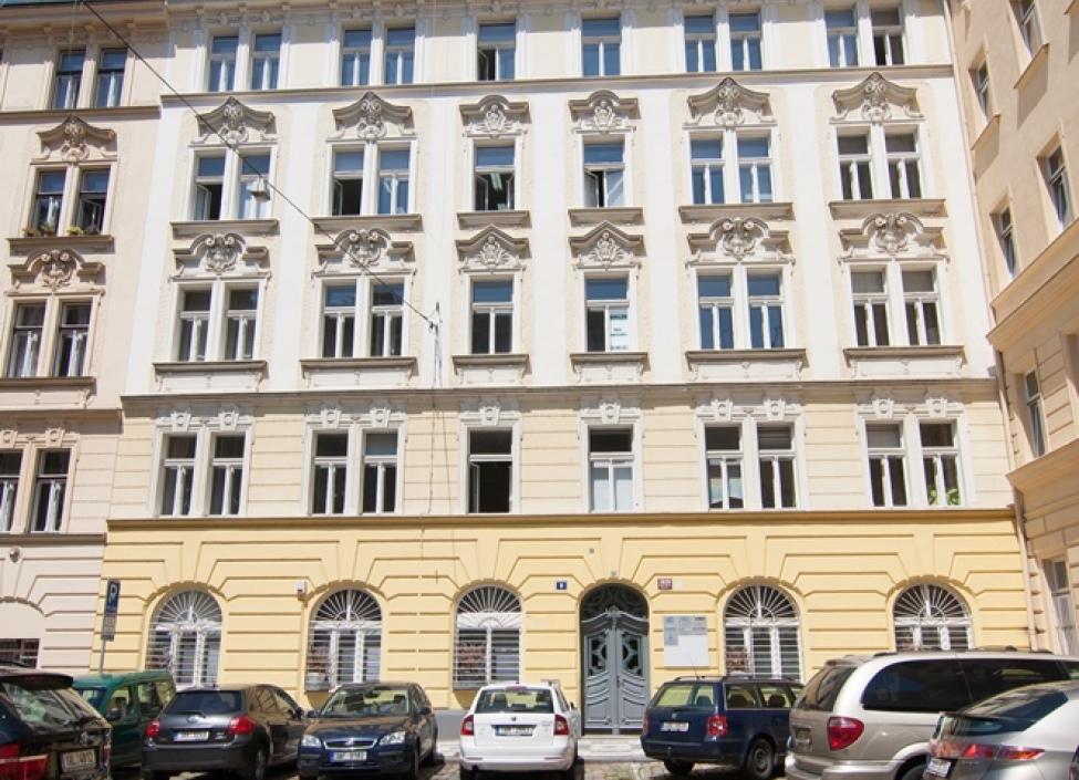 Obchodní prostory k pronájmu Praha 2 - 74m 0
