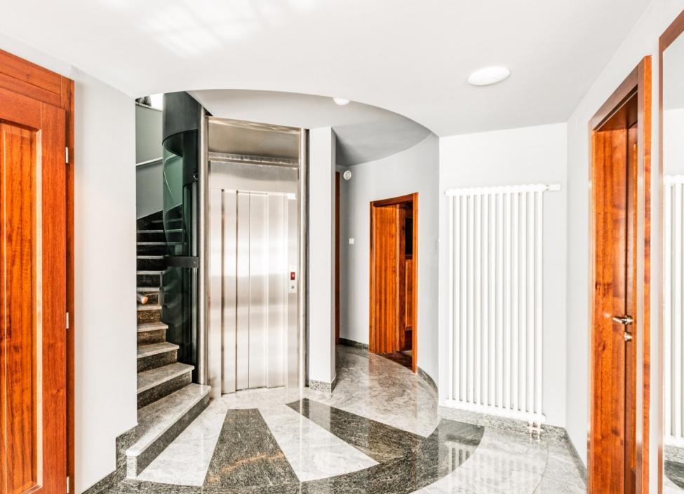 Luxusní kanceláře na pronájem Praha 5 - 778m 1