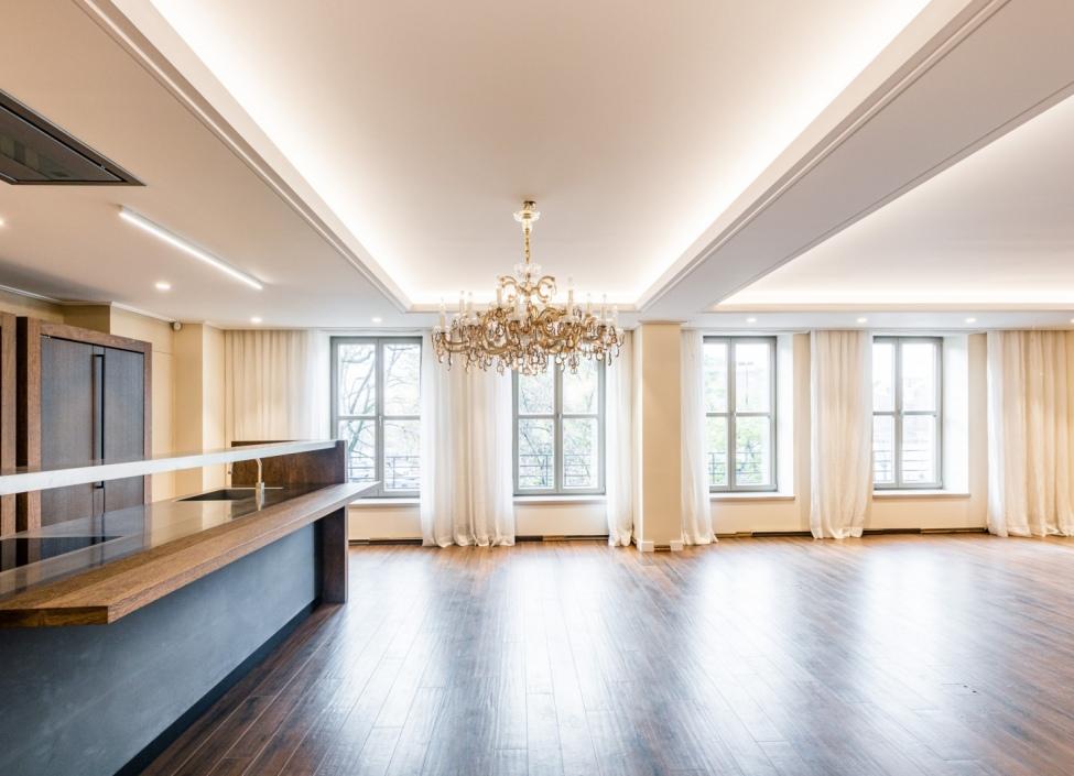 Luxusní byt na pronájem Smetanovo nábřeží 235m 1