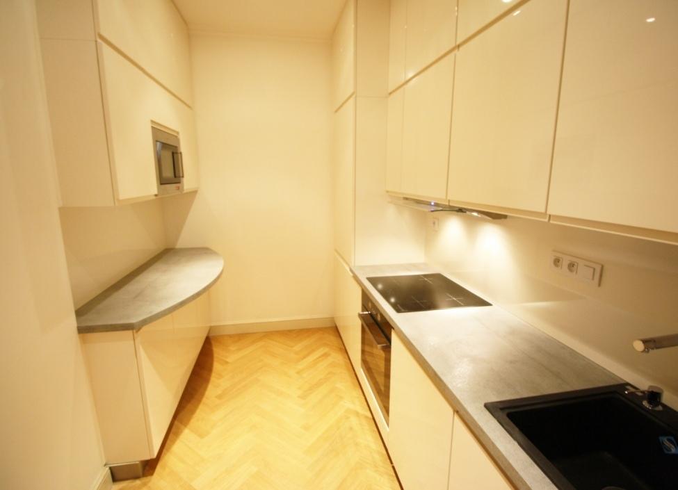 Luxusní byt Praha 1 - 91m 1