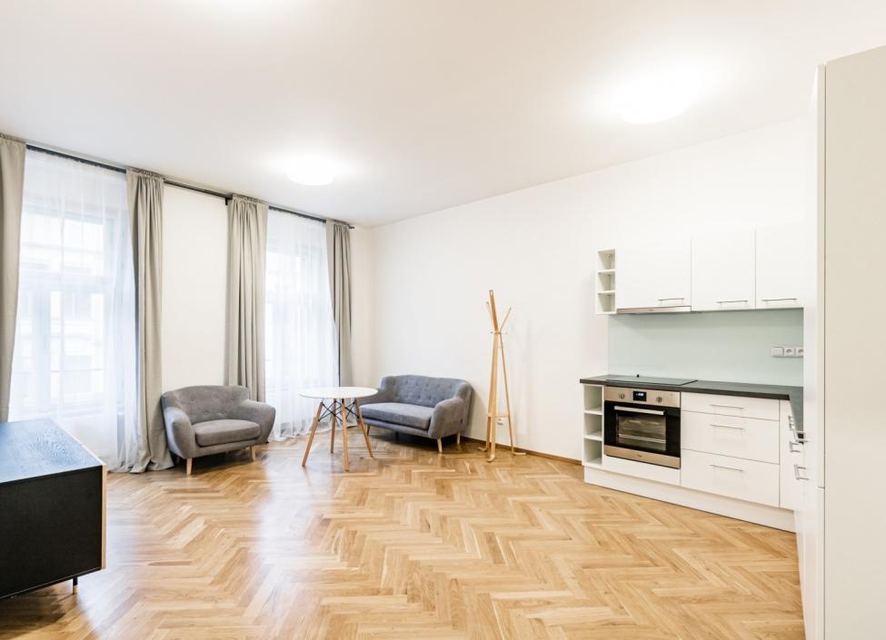 Luxusní byt k pronájmu Nové Město - Praha 1 - 74m 0