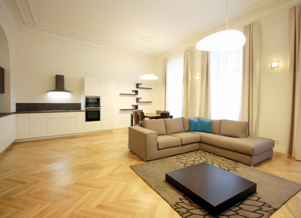 Luxusní byt k pronájmu Staré Město 98m 1