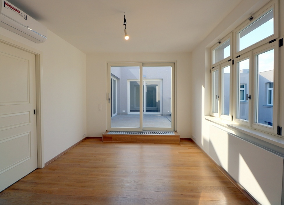 Apartment for rent with terrace 202m 0
