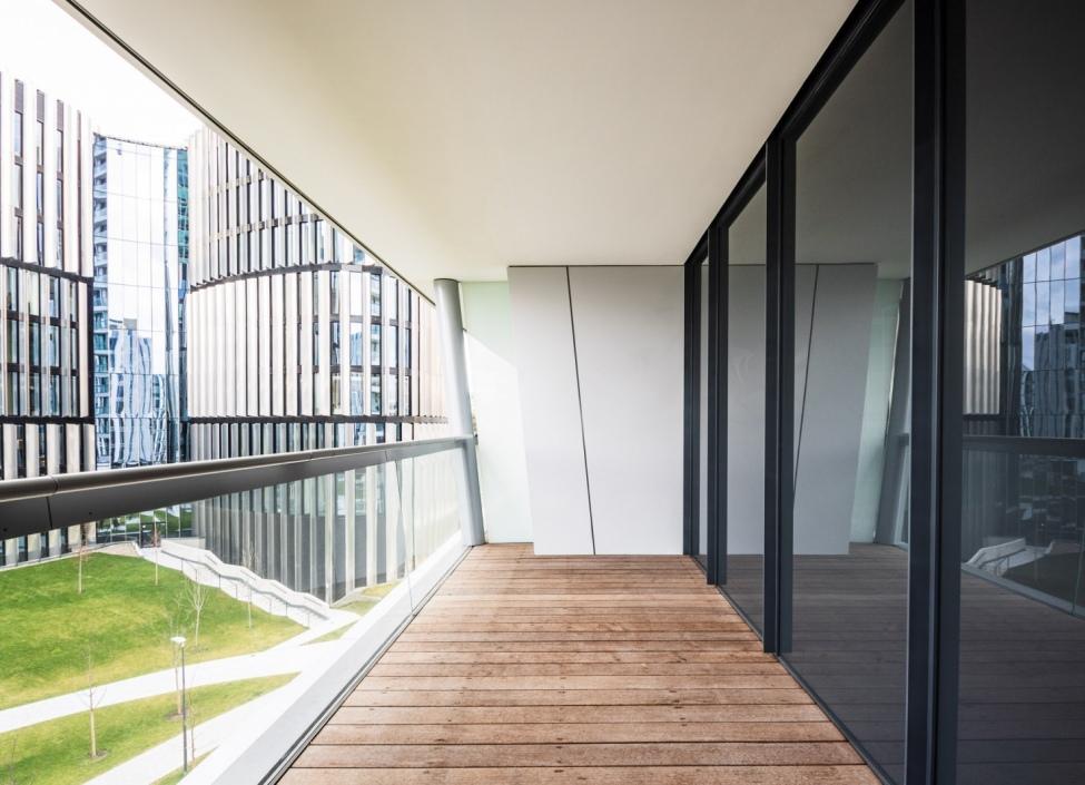 Prodej luxusního bytu s terasou - Praha 4 - 81m 0