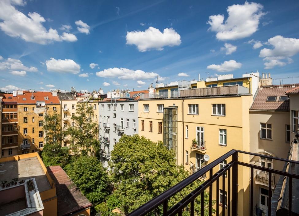 Luxusní byt na pronájem Praha 5-50m 0